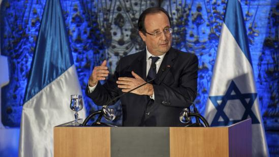 Hollande attend