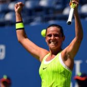 Vinci gives herself tough U.S. Open act to follow