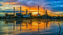 Oil and Gas Stock Roundup: Refining Comes Roaring Back