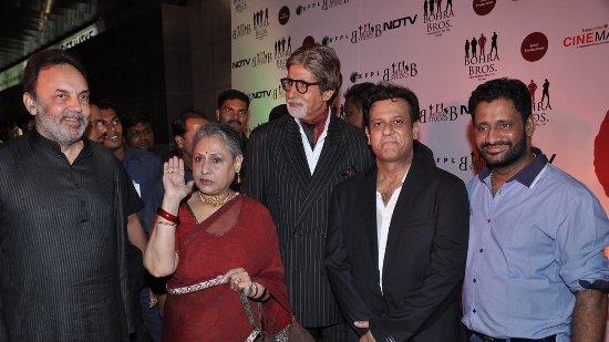 Amitabh And Shahrukh At 'Chittagong' Premiere