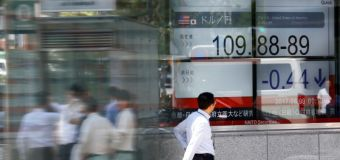 Telecoms rise, buoy Wall St. as quiet week kicks off