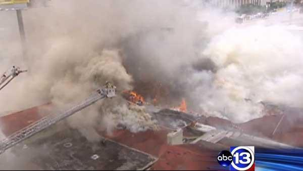 4 firefighters killed, 5 hospitalized during 5-alarm blaze