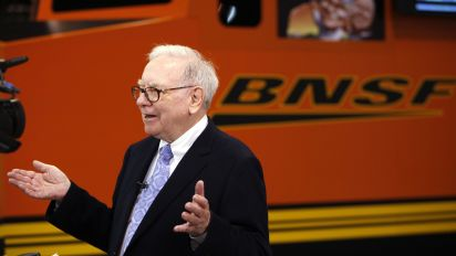 An intro to Warren Buffett's $400 billion empire