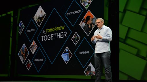 VMware Offers Cloud Freedom and Control With Cross-Cloud Architecture on First Day of VMworld