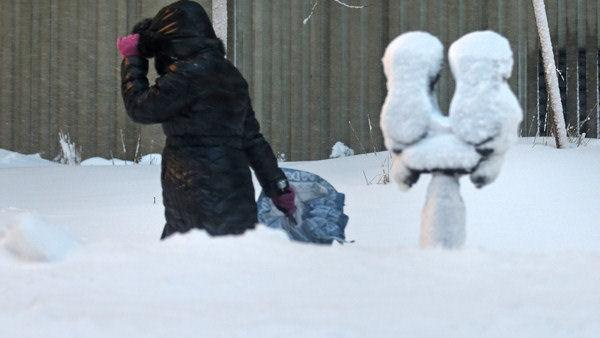 New England begins the big dig-out after epic snow
