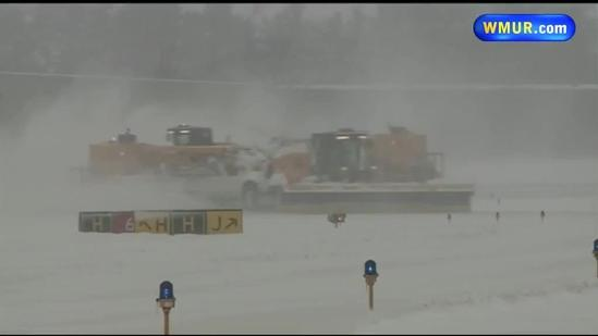 Crews work around clock to keep airport runways clear
