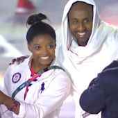 Give Simone Biles the Gold in Olympic Selfie-Taking