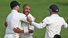 New Zealand closing in on victory against Proteas
