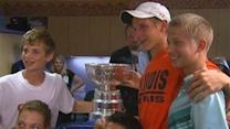 Blackhawks Take Stanley Cup to Chicago Hospital