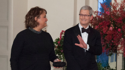 Apple CEO Tim Cook is hosting a fundraiser for Hillary Clinton