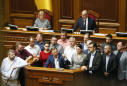 Ukraine's parliament snubs new president on election law