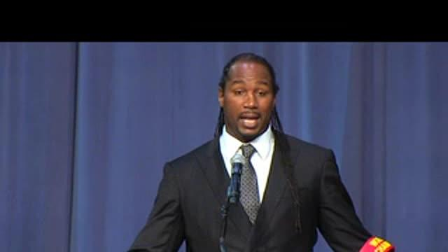Lennox Lewis' tribute to Emanuel Steward: 11/13/12