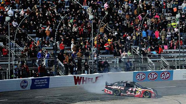 Final Laps: Busch battles back at Martinsville