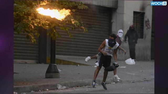 More Clashes In Caracas After Anti-Cuba Protest