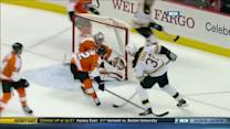 Jarome Iginla sets up Zdeno Chara for a PPG