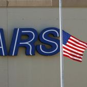 Sears to take more debt from CEO's hedge fund, posts loss