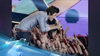 Harry Styles' Twerking Can't Save Teen Choice Awards! Lowest Ratings In 7 Years!