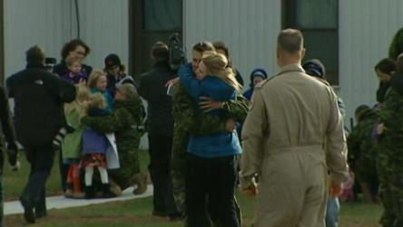 Emotional reception for Canadian troops