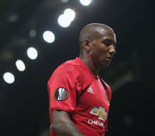 Ashley Young staying at Manchester United after transfer talks break down with Shandong Luneng