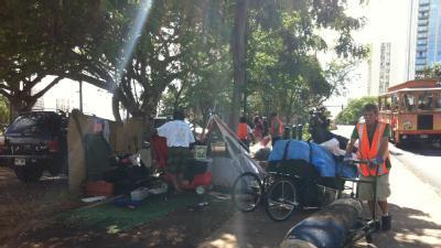 Homeless Cleared From Kalakaua Avenue