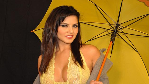 (MONSOON SPECIAL) Sunny Leone's HOT Photoshoot