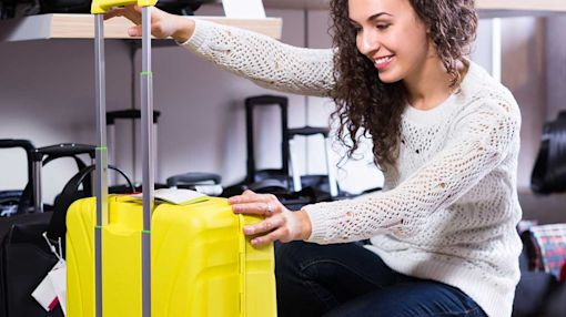 Best Luggage Stores: Online or Brick-and-Mortar?