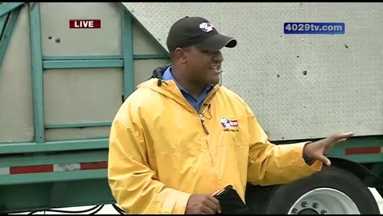 Wet conditions give Benton County fair workers hard time setting up