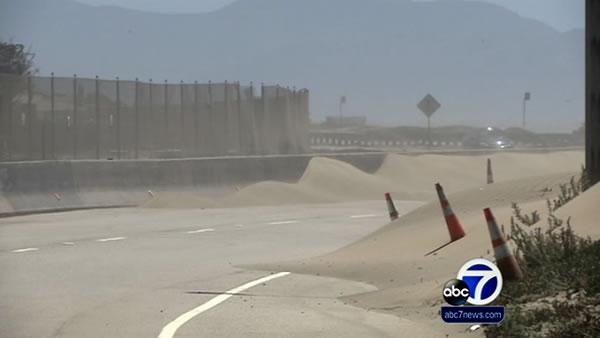 Portion of SF's Great Hwy closed for sand removal