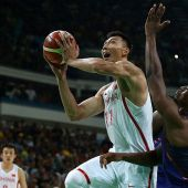 The Lakers and the NBA are taking another chance on Yi Jianlian