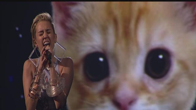 Miley Cyrus performs at the 2013 American Music Awards