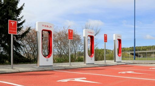 Tesla Motors Inc. (TSLA)'s Growth Is Pushing Hedge Funds Towards Lithium Stocks
