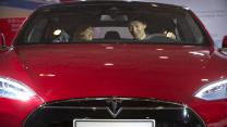 Tesla gets more ambitious; Apple's App Store problems; Oprah lifts Weight Watchers