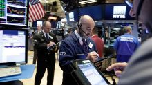 Nasdaq Loses Key Support As Techs Sell Off; Apple Extends Losing Streak