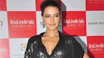 Sexy Neha Dhupia shows off her cleavage