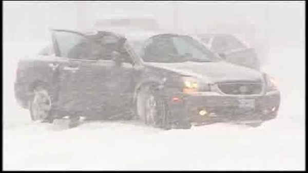 Midwest blanketed by snowstorm; travel terrible