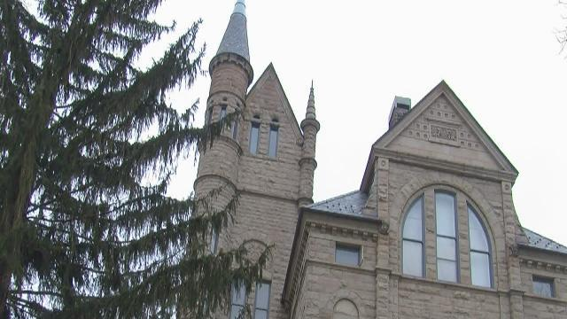 Oberlin College students challenge school over no trespassing policy