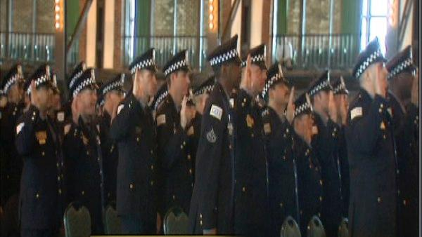 Police foot patrols lead to drop in crime, CPD says; 105 recruits joining force