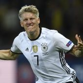 Schweinsteiger won't give up his Man Utd dream