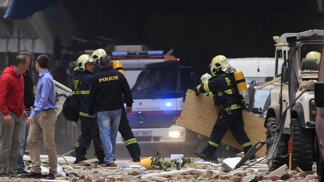 Raw: Blast Hurts Up to 40 in Prague