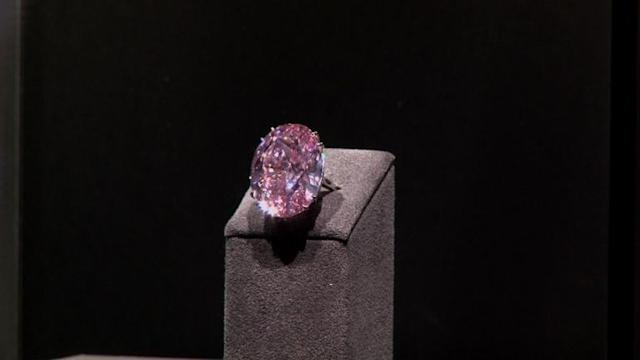 Flawless pink diamond up for auction in Geneva