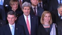Kerry, Lavrov and EU ministers pose for group photo in Rome