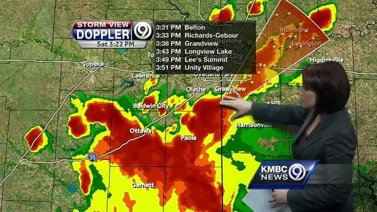 Strong storms move through portions of metro