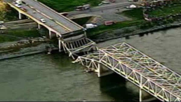 Investigation continues in Washington bridge collapse