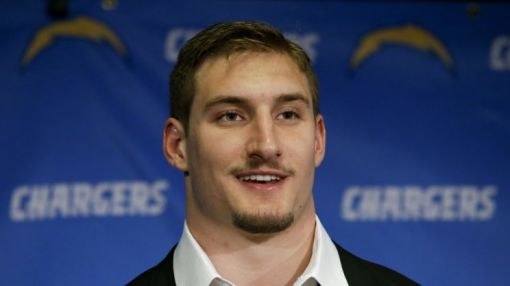 Report says rest of NFL 'laughing at' Chargers over Bosa holdout