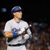 Dodgers trade A.J. Ellis to Phillies for Carlos Ruiz in puzzling move