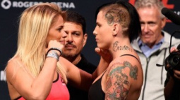 UFC on FOX 21 Results: Paige VanZant Knocks Out Bec Rawlings