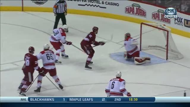 Paul Bissonnette scores on the redirection