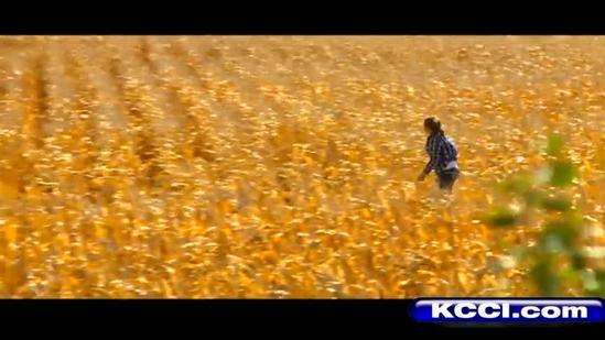 Caught on video: Horseback rider seems to float above field