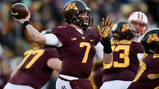 Look at Minnesota QB Mitch Leidner's stitch-filled post-surgery foot (Photo)