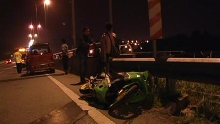 ROAD ACCIDENT:COOK KILLED, FRIEND SERIOUSLY INJURED AFTER CRASHING INTO CAR